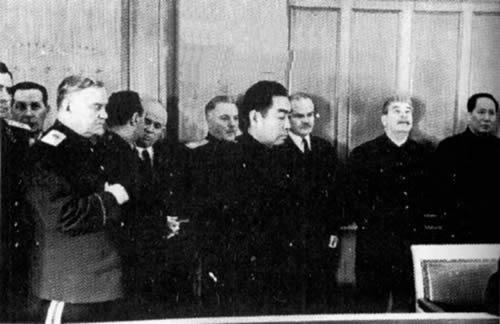 1952年8月17日周恩来总理访问苏联 长春铁路的中苏共管历史宣告结束